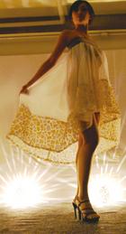 テキスタイルデザイン 保立理沙(2010年度卒業生)「Fashion Show [Coquettish] -キンセンイシモチ-」